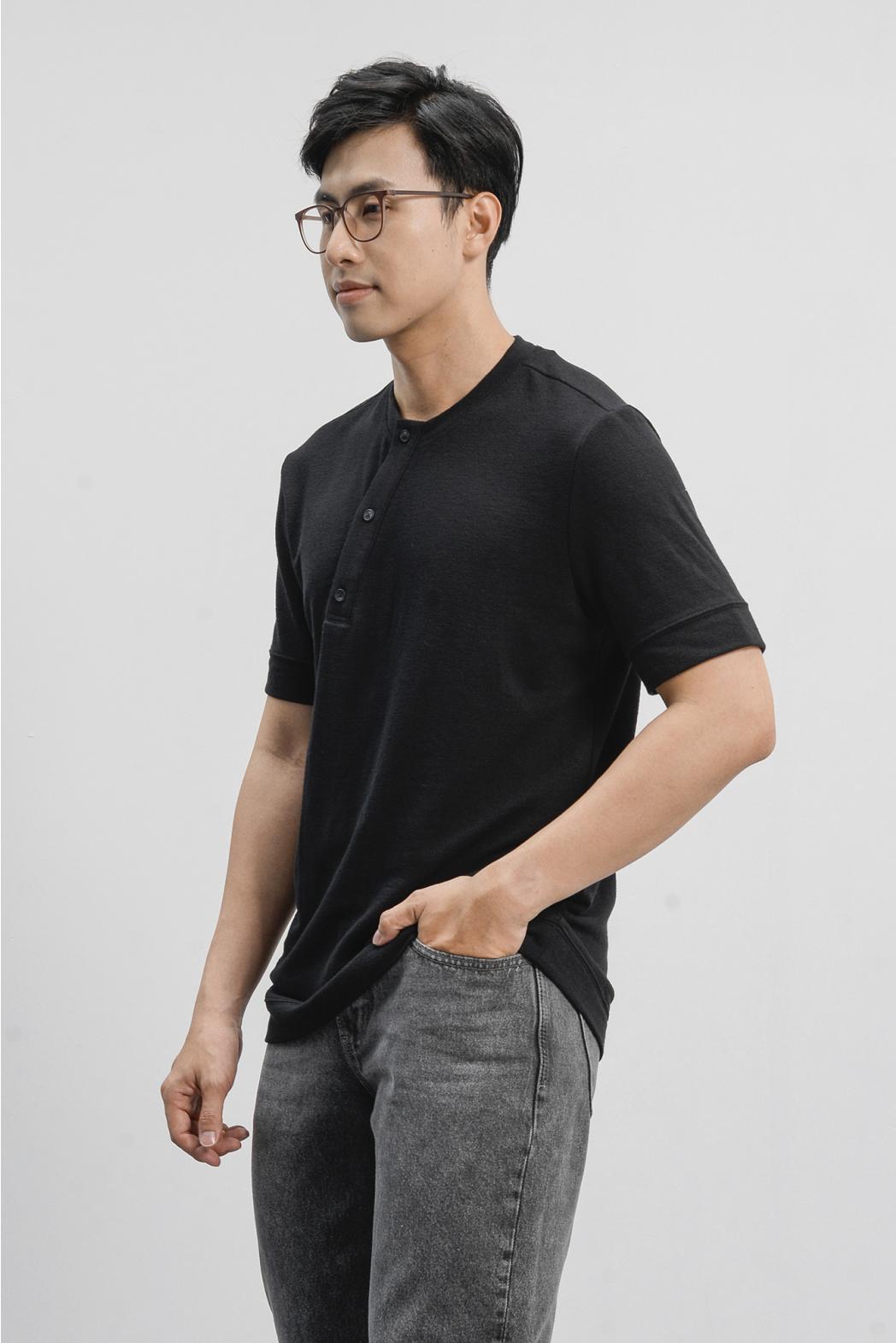 Áo thun ngắn tay, henley nẹp xéo. REGULAR form - 10S21TSH014