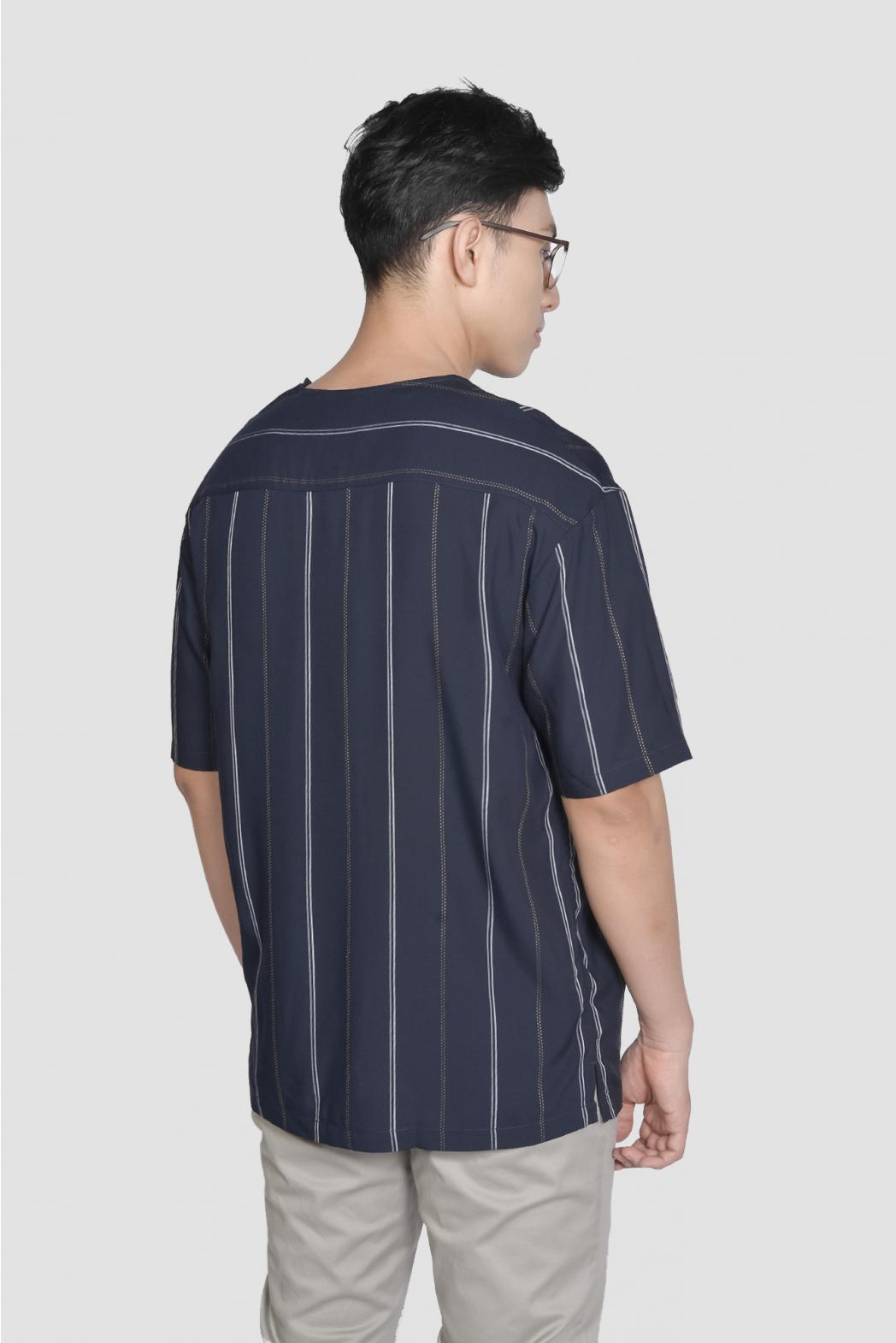 Áo thun tay ngắn, rã thân trước. LOOSE form - 10F20TSH042