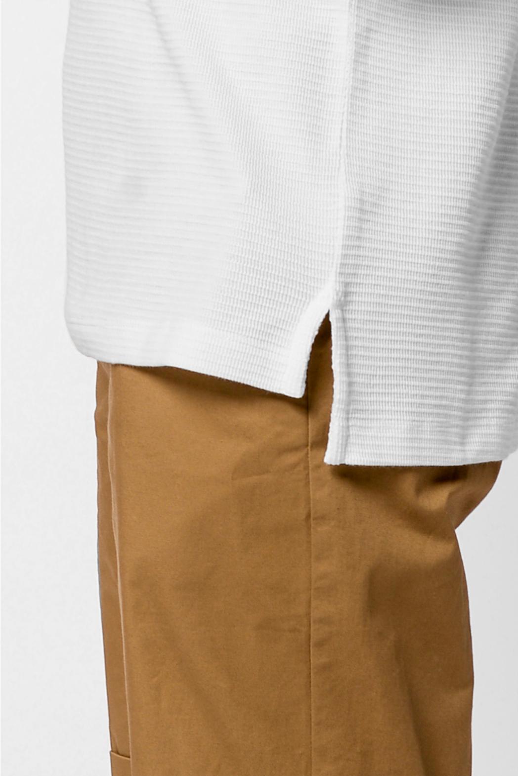 Áo thun tay ngắn, tà lệch. REGULAR form - 10F20TSH050