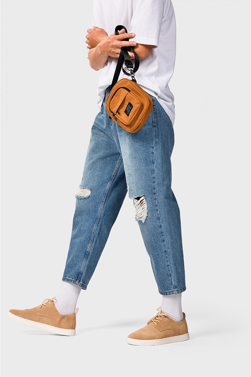 indigo. Quần jeans loose rách gối DNP09-F19 - QJ128003